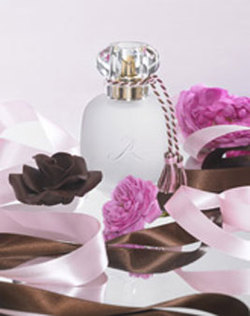 Les Parfums de Rosine Rose Praline (2008) {New Fragrance}