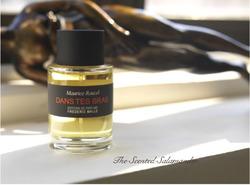 Editions de Parfums Dans Tes Bras (2008): Futuristic-Nostalgic Violets {Perfume Review & Musings} {Violet Notebook}