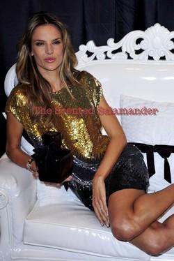 Launch of Victoria's Secret Velvet (2009) {New Fragrance} {Perfume Images & Adverts}