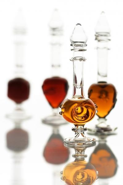 Perfume-Bottles-Lincense-TSS.jpg