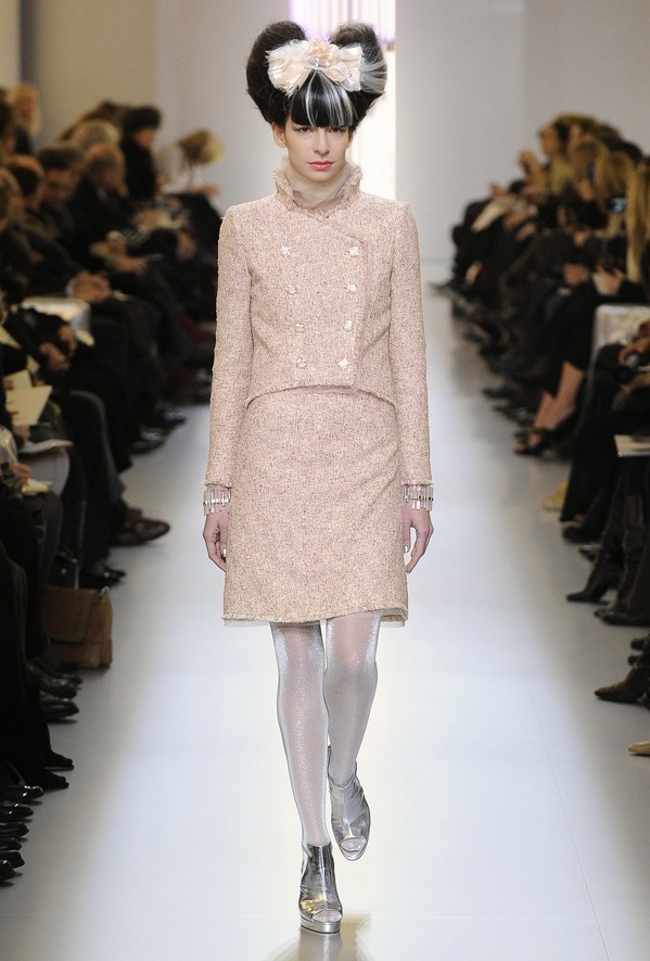 chanel-suit-SS-2010.jpg