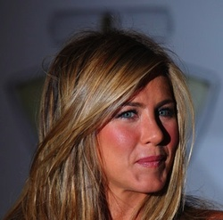 Aniston says Last Minute Change of Name Lolavie due to Lola by Marc Jacobs {Fragrance News} {Celebrity Perfume}