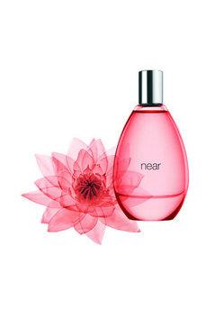 gap_near_perfume.jpg
