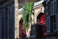 Springtime in Paris: Red Doors, Green Ivy, L'Heure Bleue Shutters {Perfume Images} {Scented Paths}