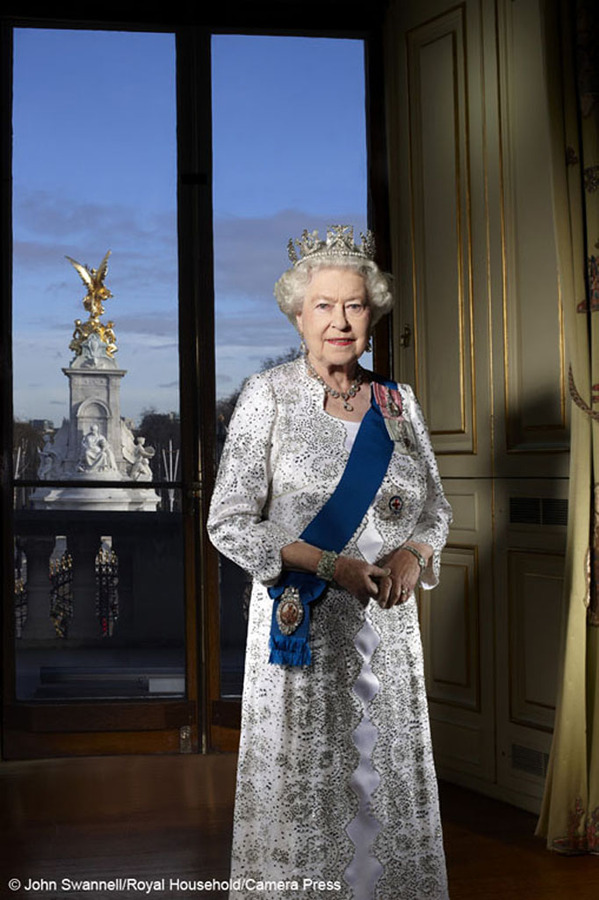 Elizabeth_II_Diamond_Jubilee.jpg