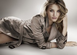 Rosie Huntington-Whiteley in New Ad Campaign for Burberry Body EDT {Perfume Images & Ads}