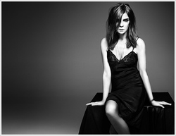 Carine Roitfeld to Launch Signature Perfume {Fragrance News} {Celebrity Perfume}