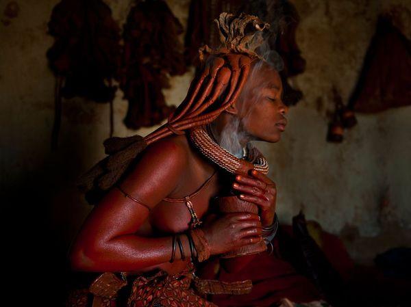 himba-woman-namibia_44713_990x742.jpg