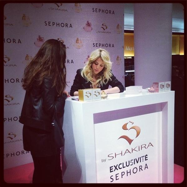 Shakira_First_signature_Sephora_S.jpg