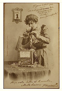 Funny 1st of April Perfume-Themed Postcard from the Belle Epoque {Perfume Images & Ads}