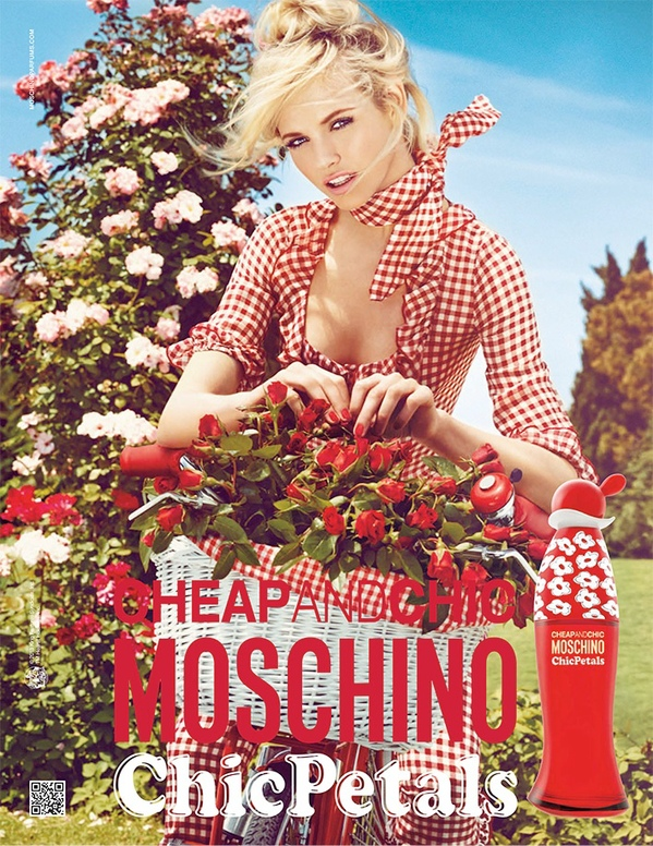 Moschino_Cheap_Chic_Petals.jpg