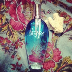 Escada Born in Paradise (2014) {Perfume Short (Review)}