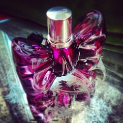 Viktor & Rolf BonBon (2014): Flip-Flopping Between Sophistication & Celebrity Style {Perfume Review & Musings}