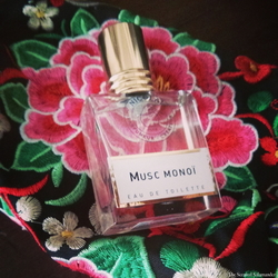 Nicolaï, Parfumeur-Créateur Musc Monoï (2014) {Perfume Review & Musings}