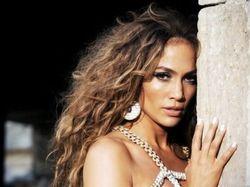 Jennifer Lopez To Launch Wild Glow {Fragrance News}