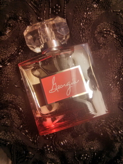 Robin McGraw Georgia Eau de Parfum - The Steely Sweetness of Honeysuckle (2014) {Perfume Review & Musings}