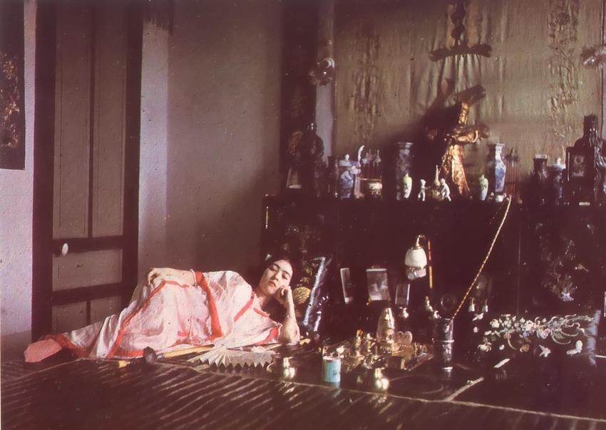 Fumeuse_Opium_1915_albert_khan.JPG