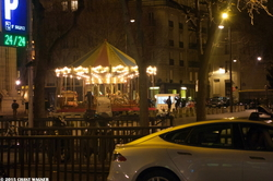 Strange Goings Around a Carousel - Etrange manège le soir du réveillon de Noël - 130 Street Photographies after the Paris Attacks {Paris Street Photo}