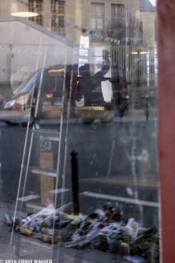 Two Epochs - Deux Epoques - 130 Street Photographies after the Paris Attacks {Paris Street Photo}