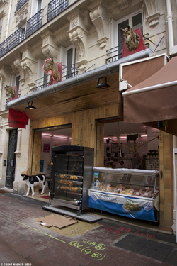 A Horse Meat Butcher Shop ≈ Une boucherie chevaline {Paris Street Photo / Food}