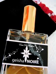 Geisha Noire Aroma M.jpg