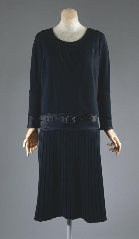 Le petite robe noire coco chanel