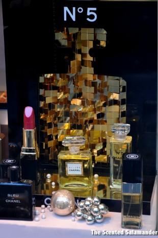Chanel-No-5-January-2011-A.jpg