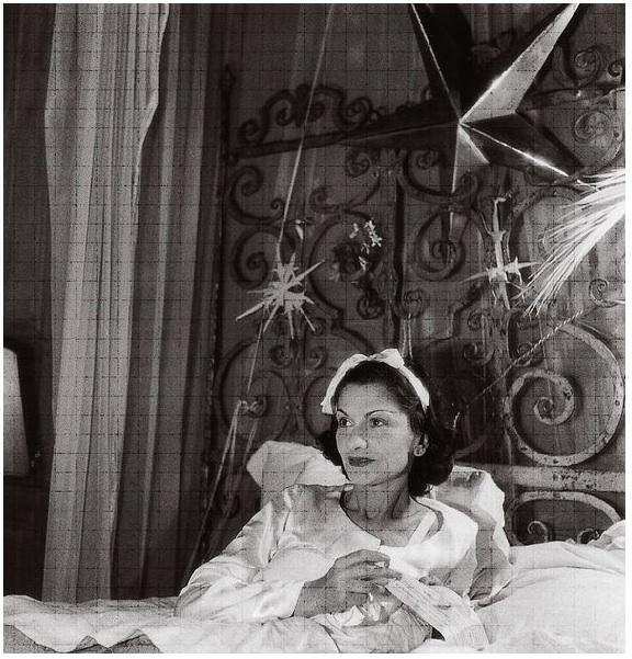 Gabrielle_Chanel_La_Pausa_1938_Roger_Schall_Etoiles.jpg