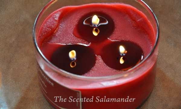 Glade-Cranberry-Candle-B.jpg