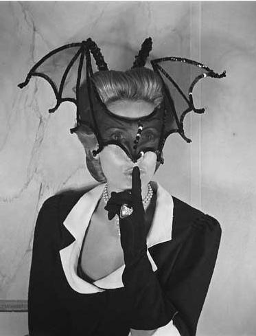 Helene-Rochas-Bat-mask.jpg