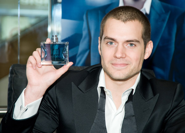 Henry Cavill Promotes Dunhill London Amp The Color Of His