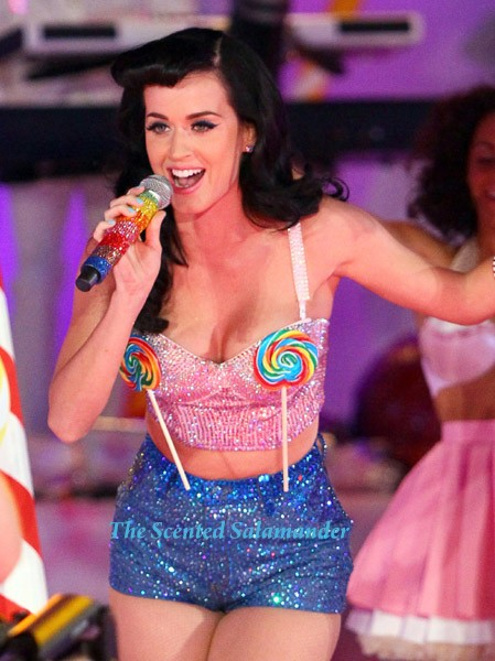 Pop singer Katy Perry will launch her debut signature fragrance in November