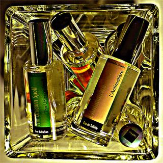 Les-Nez-Parfums.jpg