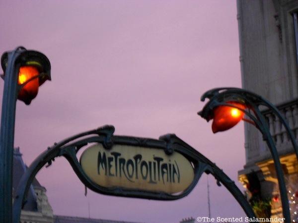 Métropolitain_Heure_Bleue.jpg