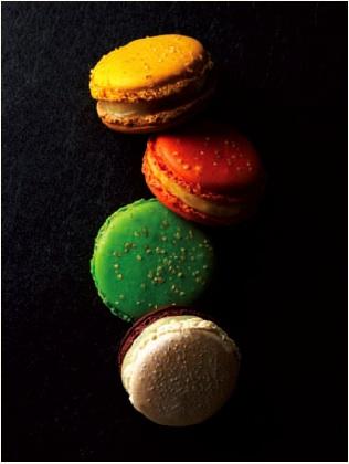 Macarons-Pierre-Herme-Noel-2010.jpg