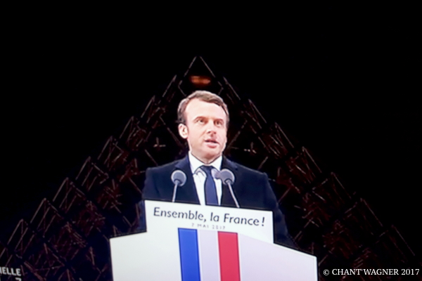 Macron-le-centre.jpg