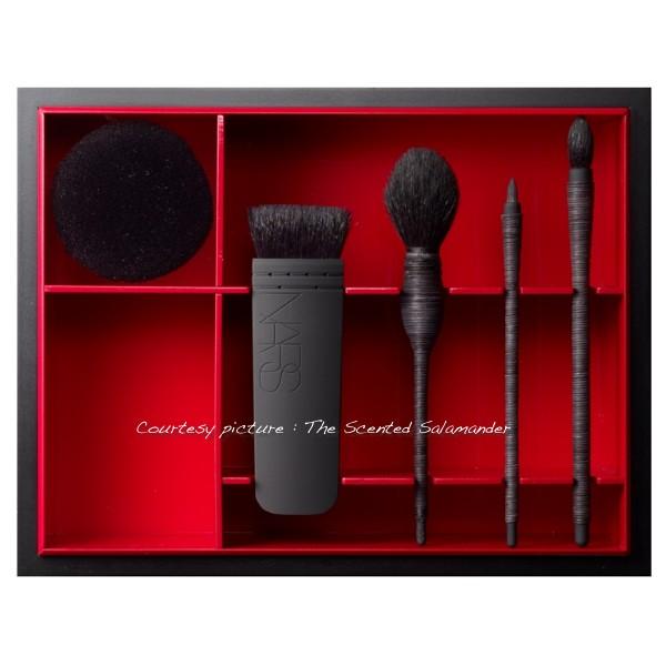 NARS Nagauta Kabuki Brush Set.JPG
