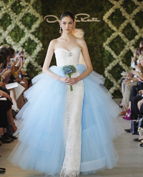 Oscar-de-la-renta-blue-wedding-dresses-2012.jpg