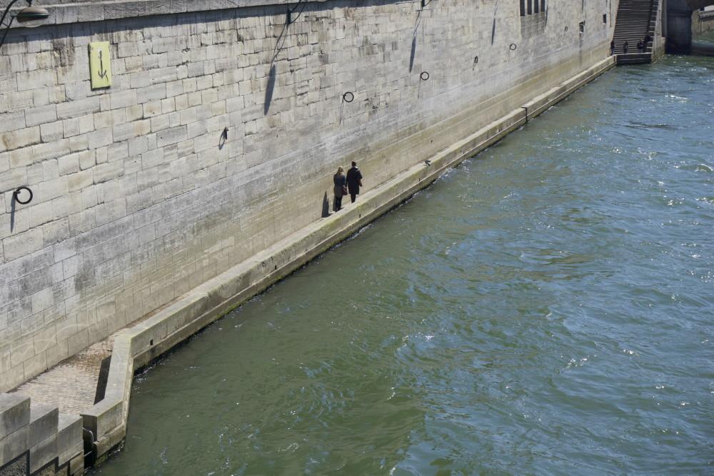 Passantes_Seine.jpg