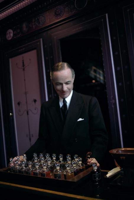 Serge-Lutens-Salons-Shiseido-Portrait2.jpg