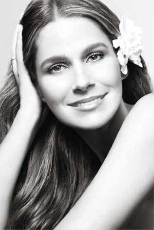 aerin-lauder-jasmine-white-moss-ad.jpg