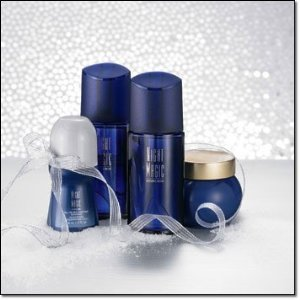 http://www.mimifroufrou.com/scentedsalamander/images/avon-night-magic-evening-musk.jpg