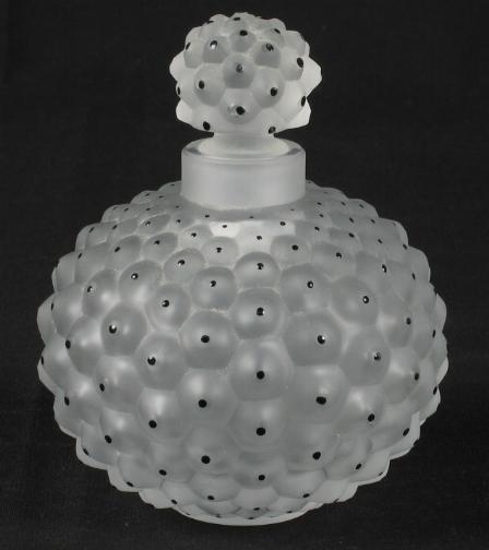 fragrance news lutens chypre rouge givenchy bourgeois perles de lalique ap eau. Black Bedroom Furniture Sets. Home Design Ideas