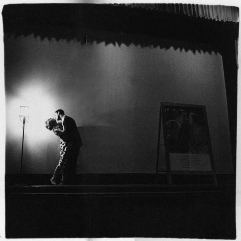 diane-arbus-couple-kissing-onstage.jpg
