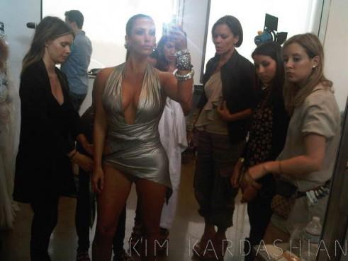 kim-kardashian-photo-shoot-fragrance-2-491x369.jpg