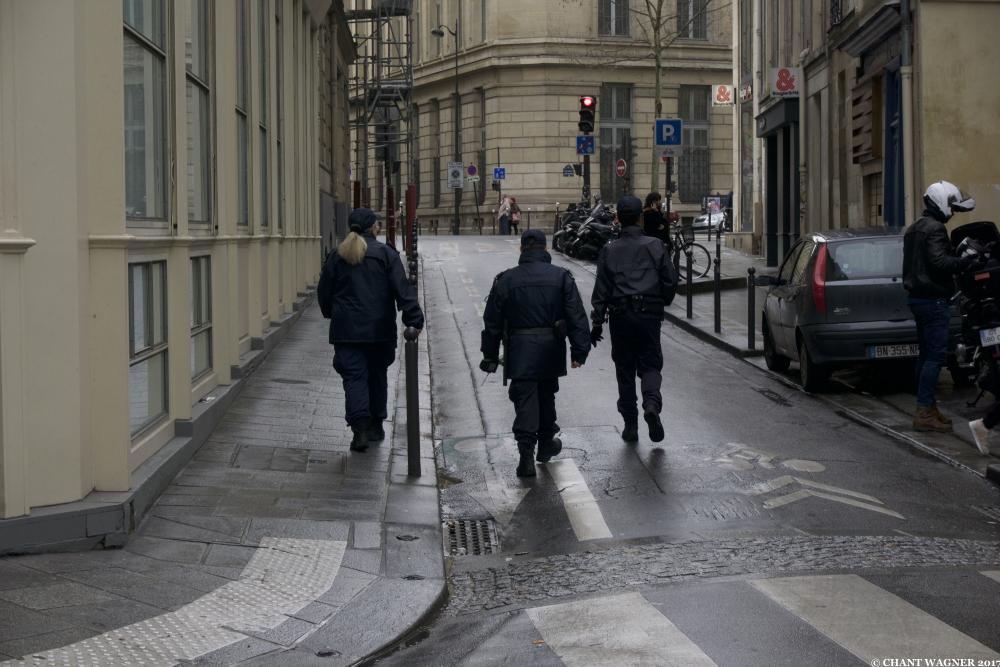 police-femme.jpg