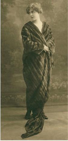 zibelinecoat_weil_1910.jpg